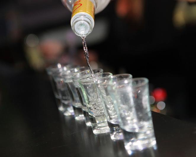 vodka (vodka, )