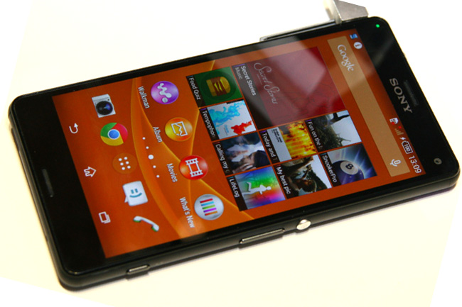 z3mini-01 (mobilport, ifa, sony, xperia, z3 mini, okostelefon, mobiltelefon, android, )