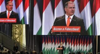 Kósa Lajos a Fidesz gyűlésén (kósa lajos, )