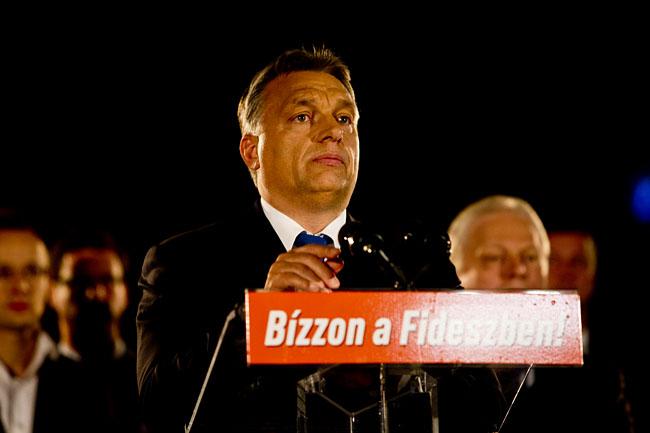 Orban-beszedet-mond(1)(430x286).jpg (Orbán beszédet mond, Fidesz, önkormányzat választás 2014, )