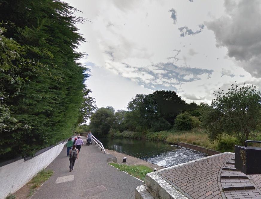 bent river (csatorna, london, anglia, )
