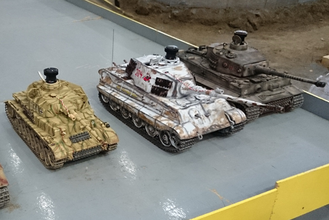 tn-mb03 (technet, modell, játék, autó, repülő, hajó, vonat, távirányító, kiállítás)