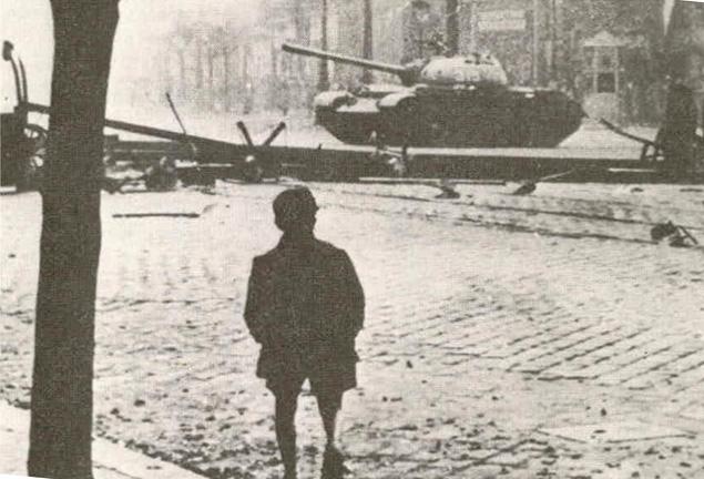'56: szovjet tank Budapesten (1956-os forradalom, szovjet tank)