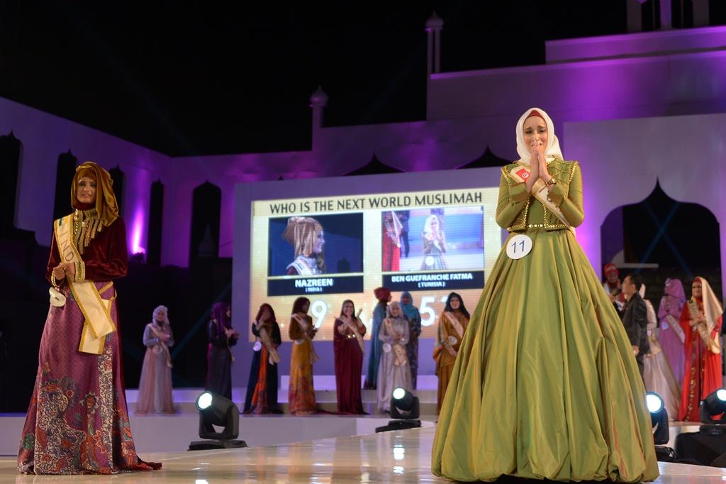 Fatma Ben Guefrache 2 (szépségkirálynő, muszlim, )