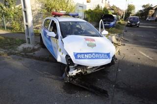 rendőrautó balesete (rendőrautó, baleset, )