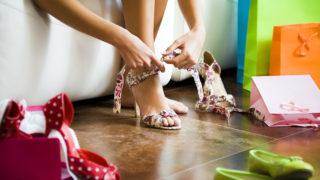 tűsarok (tűsarkú, tűsarok, női cipő, vásárlás, modell, cipő próba)