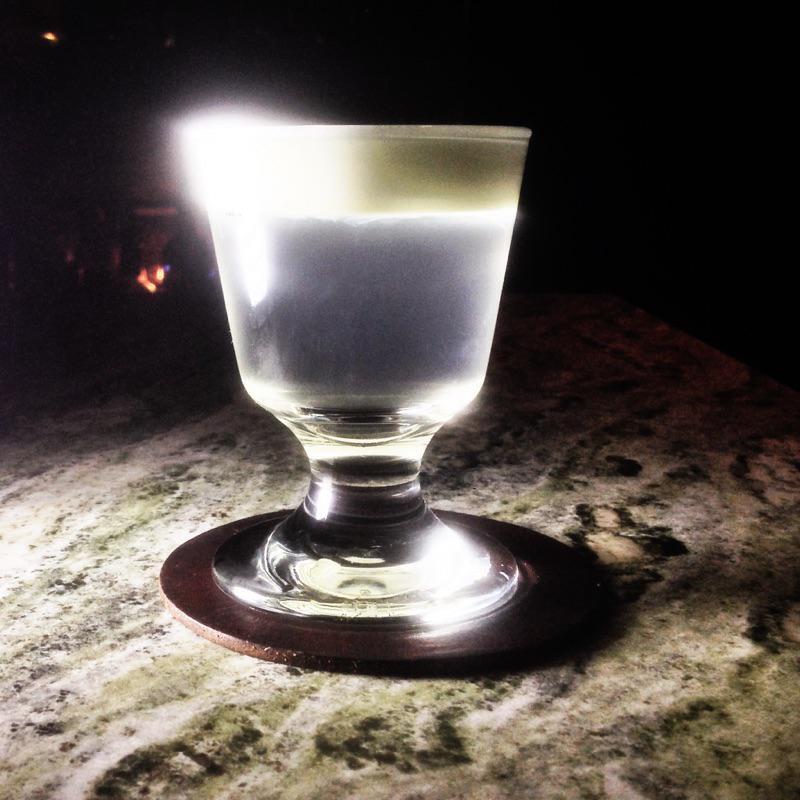 Meleg gin-tonik (gin-tonik, meleg, )