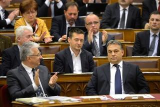 Orbán plenáris ülés (Orbán Viktor, Rogán Antal plenáris ülés)