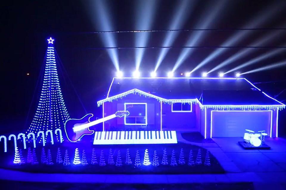 Sw-fenyjatek(960x640).jpg (karácsony, dísz, ház, )