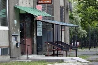 élelmiszerbolt zárva (élelmiszerbolt zárva, vasárnapi zárva tartás, zárva)