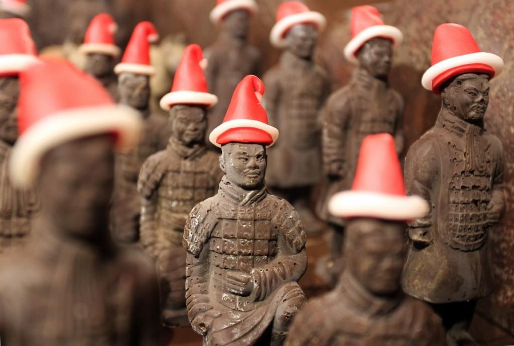 karácsonyi csokikatonák (karácsony, csokoládé, kína, )