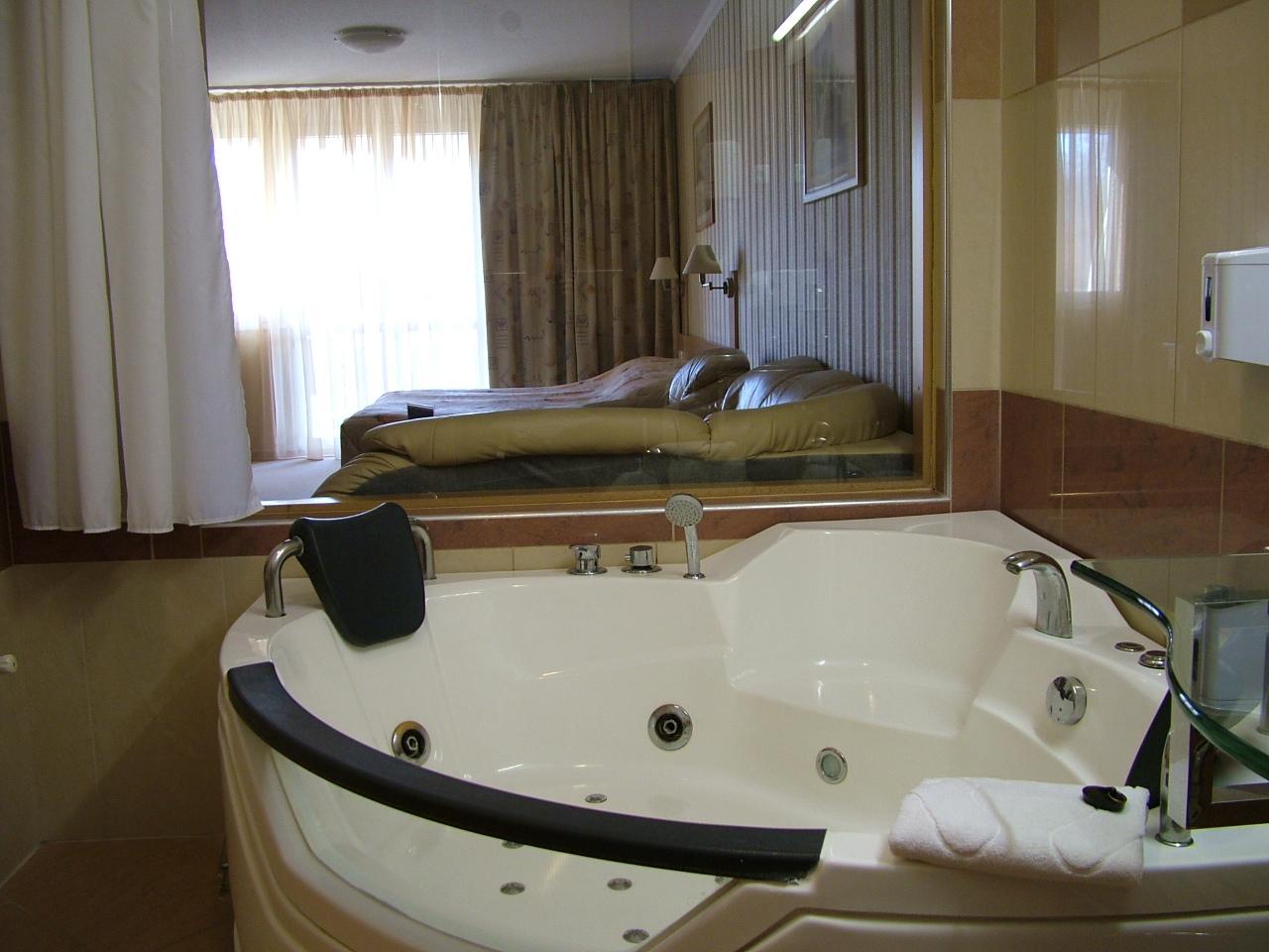 mandan szoba (hotel, szoba)