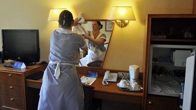 szallodai-szoba(430x286).jpg (szállodai szoba, takarítónő, )