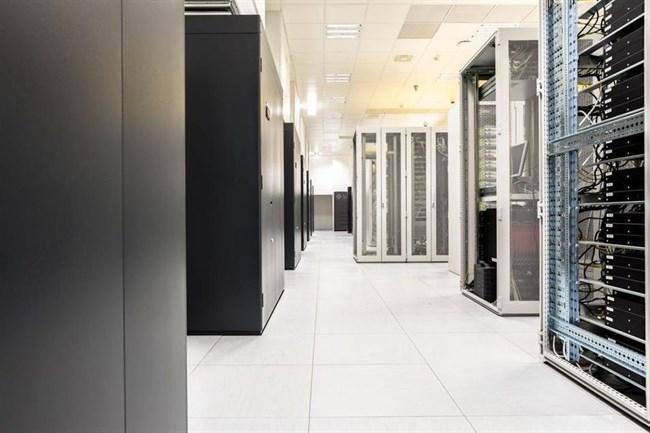 Invitel-DataCenter-2.(650x433).jpg (datacenter, szerver, szerverpark, adatközpont, felhőszolgáltatás, )