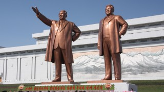 Kim-Dzsong-Il-es-Kim-Ir-Szen-szobra(430x286).jpg (észak-korea, kim dzsong il, kim ir szen, szobor, )