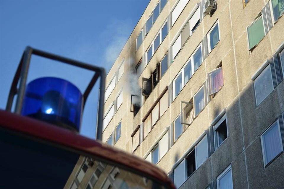 Lakastuz(960x640).jpg (tűz, panel, lakástűz, )