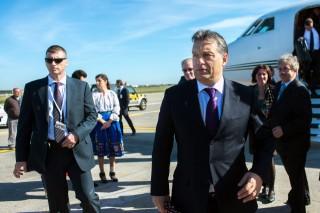 Orbán Viktor repülőtéren (orbán viktor, repülőtér)