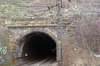 alagút (alagút)