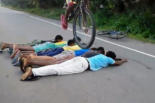 biciklis-ugratas(960x640).jpg (bicikli, ugratás, baki, )