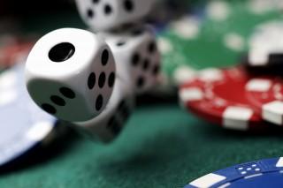 kaszinó (kaszinó, szerencsejáték, dobókocka, zseton, rulett, játék)