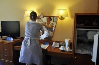 szallodai-szoba(210x140).jpg (szállodai szoba, takarítónő, )