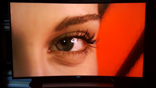 tn-a01 (technet, teszt, tévé, tv, televízió, samsung, okostévé, ívelt, ultra hd, 4K)