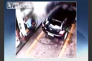 Bnezinkutbaleset(960x640).jpg (benzinkút, baleset, )