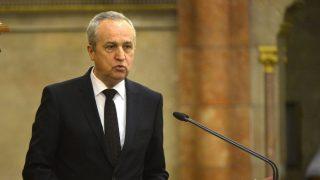 Kontrát Károly - Parlamentben (kontrát károly)