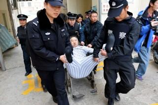 Makacs beteg (beteg, kórház, rendőrök, kína, )