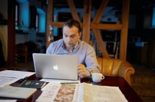 Orbán és a Macbook (orbán viktor)