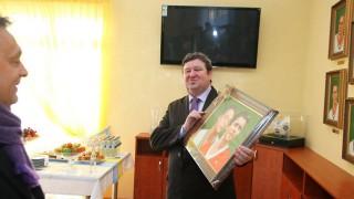 Tállai Orbán portréjával (orbán viktor, tállai andrás, puskás ferenc labdarúgó akadámia, )