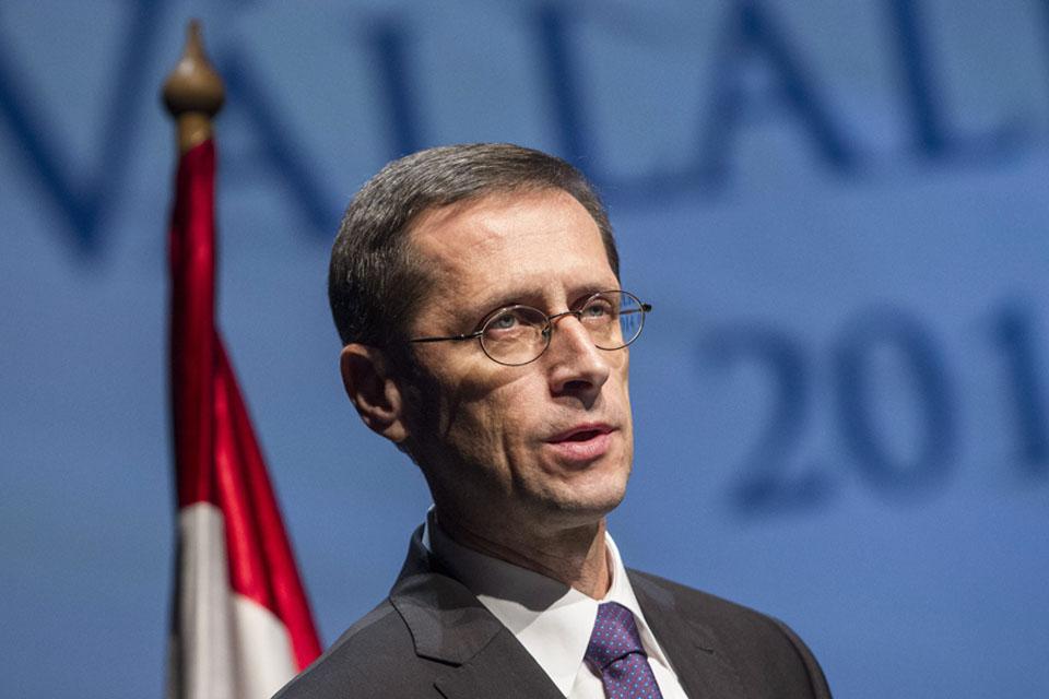 Varga Mihály (Varga Mihály nemzetgazdasági miniszter, )