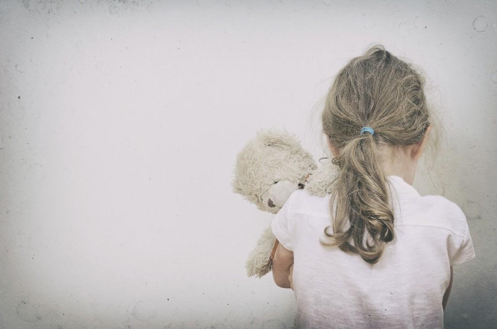 gyermekbántalmazás (gyermekbántalmazás, )