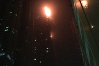 langolo-felhokarcolo(960x640).jpg (tűz, felhőkarcoló, dubai, )