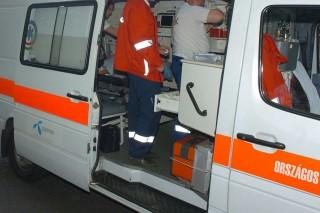 mentő (mentő, )