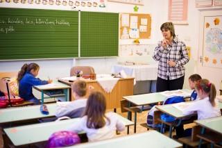 tanító (tanító)