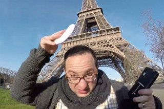 zsido-ferfi-parizsban(960x640).jpg (zsidó, párizs, eiffel-torony, )