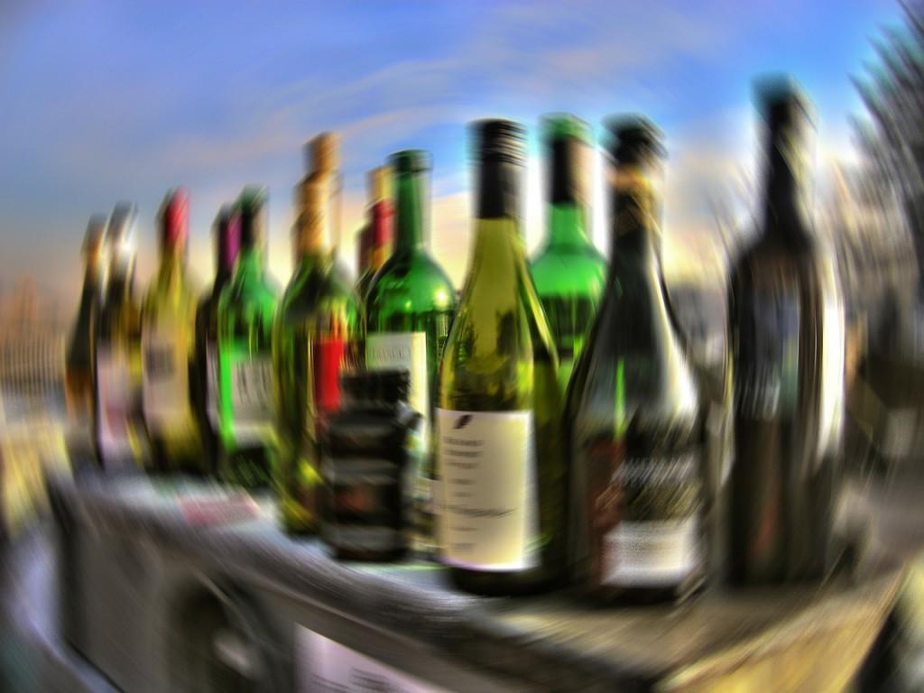 Alkohol (alkohol, részeg, bor, üvegek, részegség, szesz, )