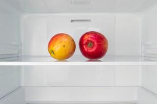 Hűtő almával (hűtőgép, alma, )
