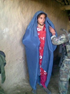 ISIS nőnek öltözött (isis, nő)