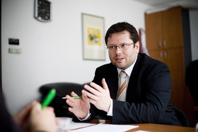 Kormos Zoltán, OTP (Kormos Zoltán, OTP, cafeteria, Szabó Zsuzsanna interjú)