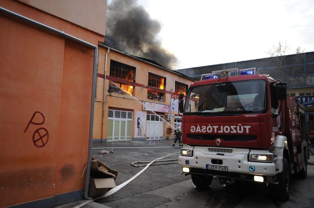 Raktártűz a Golgota utcában (tűz, )