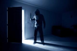 bergyilkos(210x140).jpg (bérgyilkos, kés)