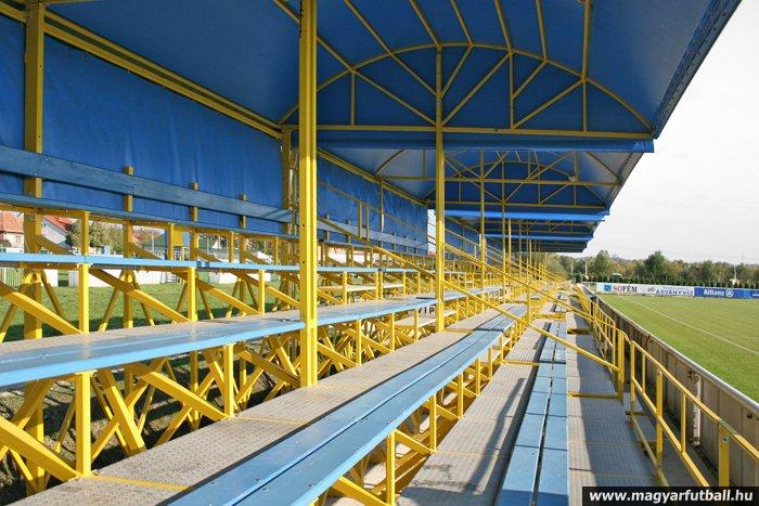 gyirmóti stadion (gyirmóti stadion)
