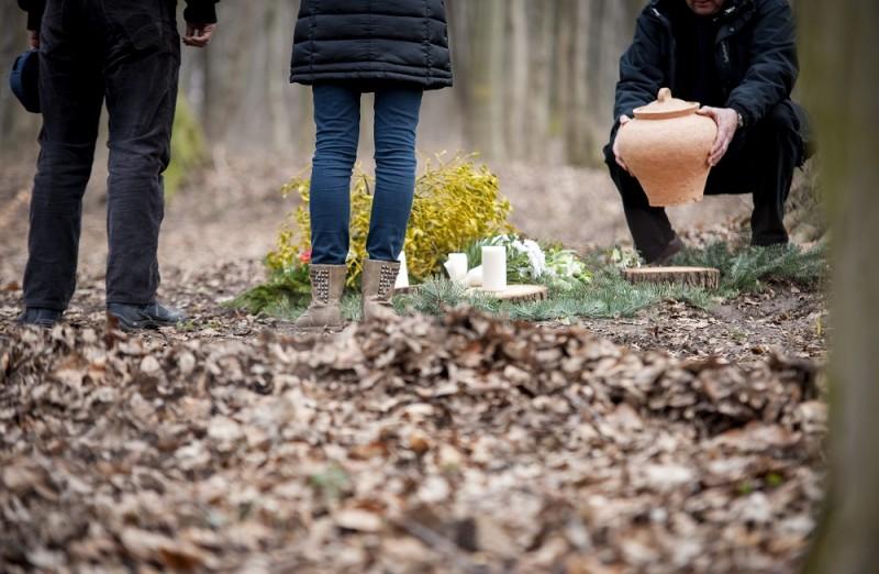 kegyeleti temető (biotemető, agostyán, kegyeleti temető)