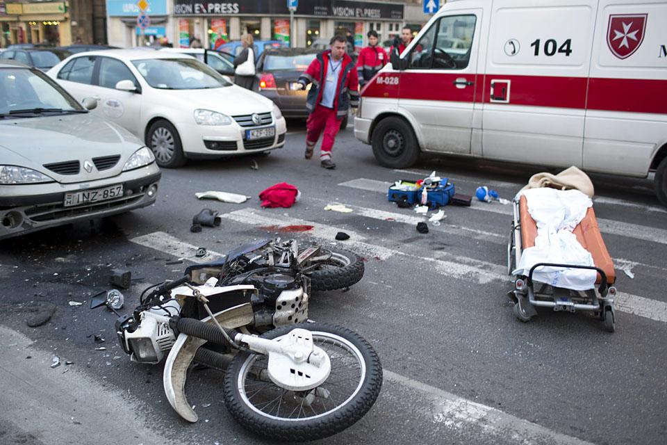 kolosy téri motorosbaleset (kolosy tér, motorosbaleset, )