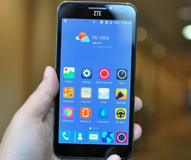 mp-zte3 (mobilport, mwc, mobile world congress, zte, kínai okostelefon, szem, szkenner)