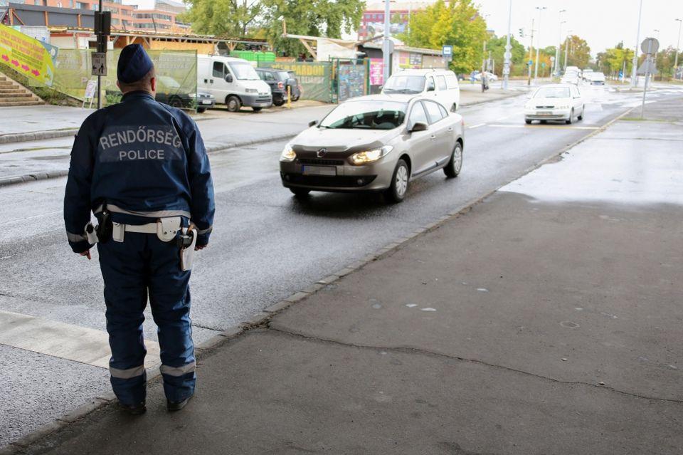 rendőrség, közúti ellenőrzés, igazoltatás (rendőrség, közúti ellenőrzés, igazoltatás)