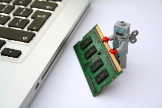robot-1(960x640).jpg (robot, mesterséges intelligencia, mi, komputer, automatizálás, számítógép, jövőkutatás, futurológia, )