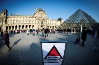 terrorkészültség párizsban (terrorkészültség, párizs, louvre, )
